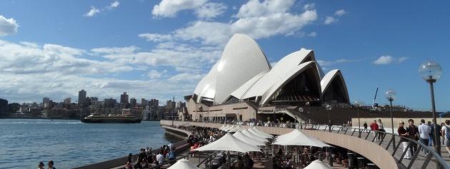 Sydney heeft genoeg bezienswaardigheden om je een dagen zoet te houden. Van het Operah House tot mooie stranden en parken in de buurt.